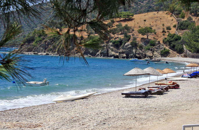 Time on the beach on private gulet yacht charter holidays