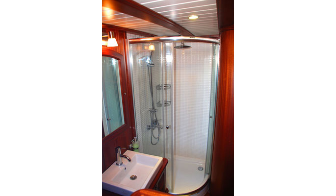 All cabins have en suite shower/ WC