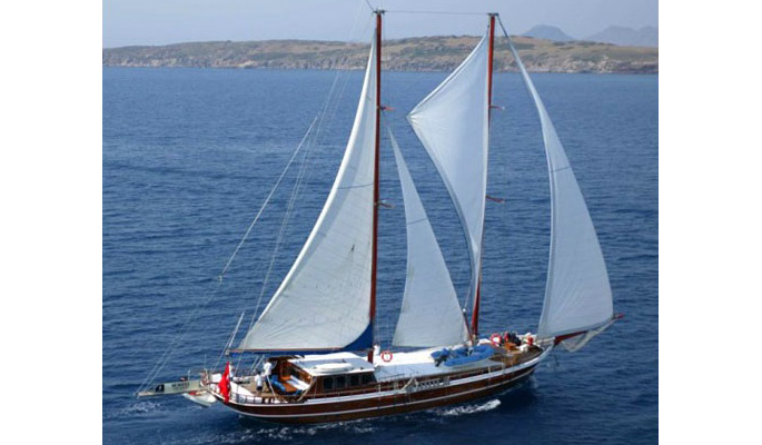 Private sailing gulet charter from Bodrum with Ayse Emre