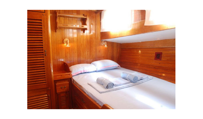 4 comfortable double cabins