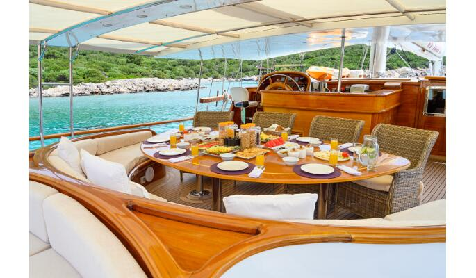 Luxury private gulet yacht charter from Bodrum on Caner IV
