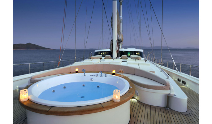 Jacuzzi on the spacious  and beautifully designed deck