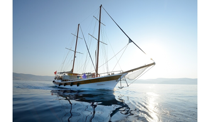 25m Gozdem I for luxury gulet charter in 5 cabins for 10 guests