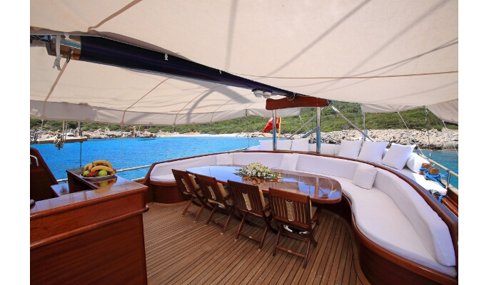 Spacious and shady aft deck dining
