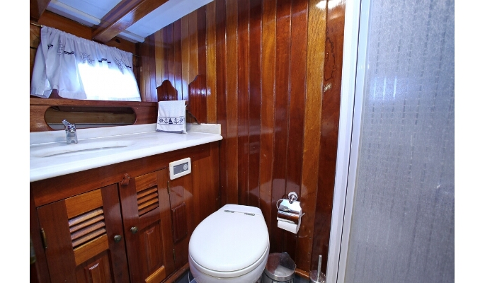 Lovely twin cabins with large berths and en suite bathrooms