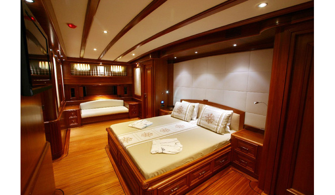2 master cabins each with dressing room, sofa and vanity table, mini bar and Radio/CD player/DVD/MP3/TV