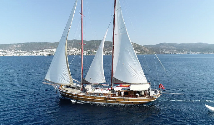 28m classical Bodrum gulet Levent Kaptan with 5 cabins for 10 guests
