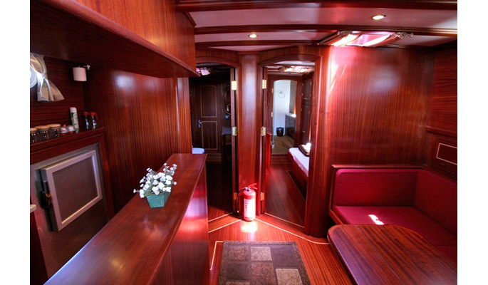 Saloon area below deck