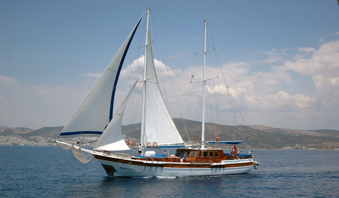 30m large charter gulet Sunworld 8 with 8 cabins for up to 16 guests