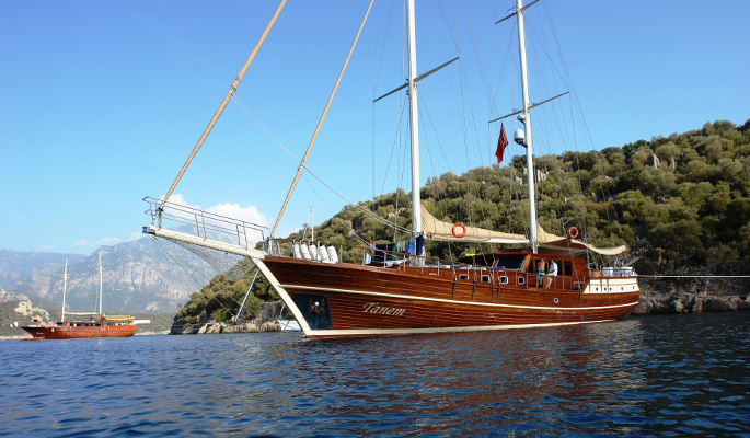 30m deluxe charter gulet Tanem for 12 guests- grand master cabin aft