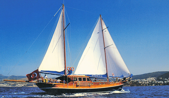 Traditional style 24m gulet Xenos II with 4 cabins for 8 guests