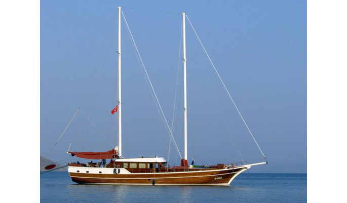 29m design led luxury gulet Zeus for private charter accommodates 12 guests