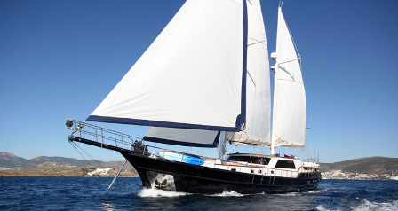 DIDI This chic sailing gulet is ideal for four couples