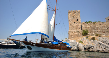 GUSTO This chic sailing gulet is ideal for four couples